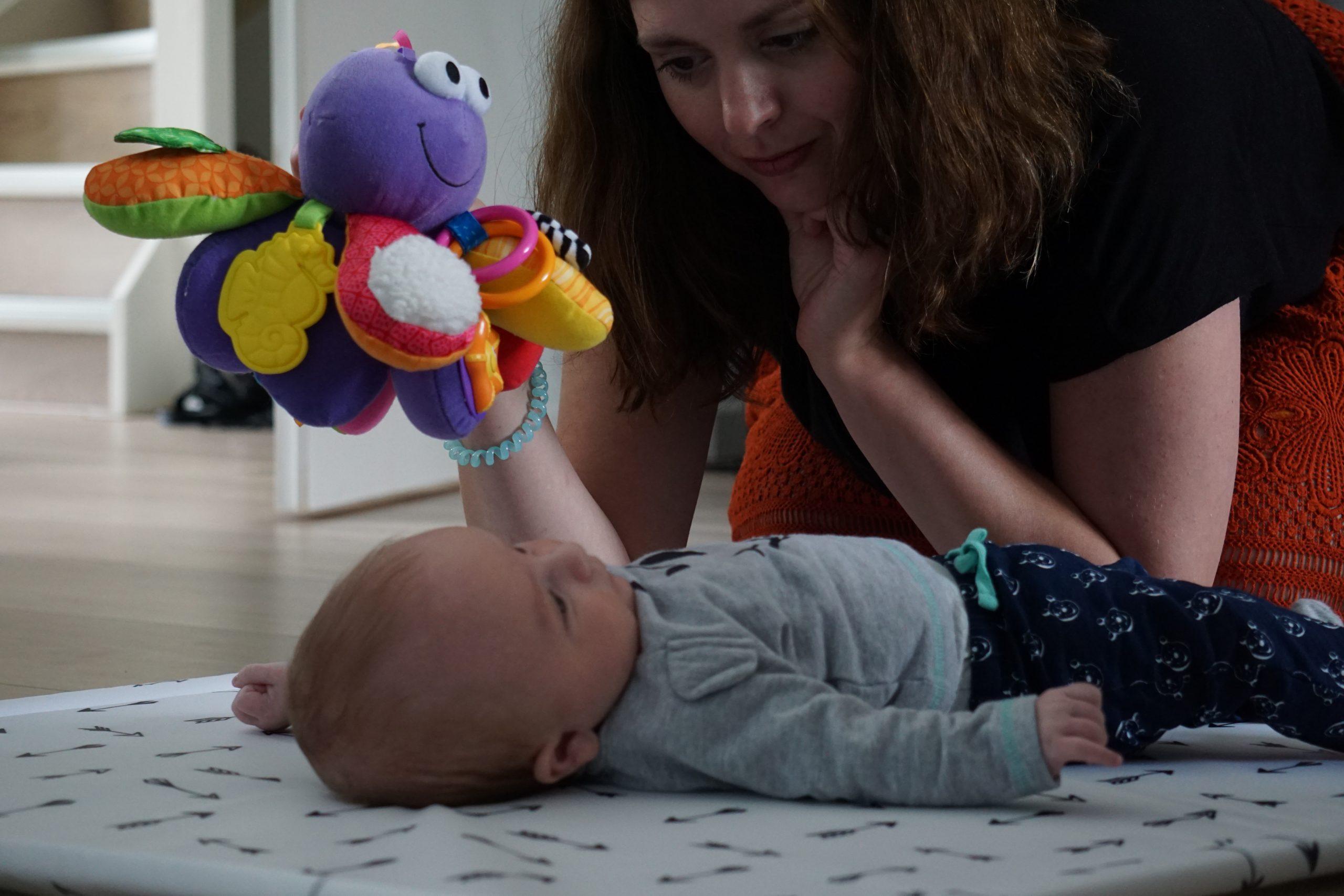 Ideeën voor spelen met je 0-3 maanden oude baby.