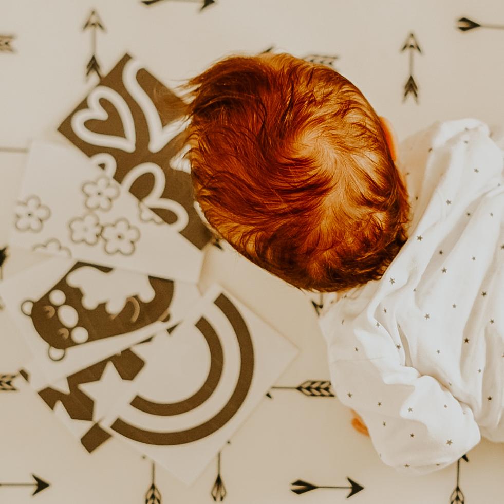 Speeltip 9: Hoog contrast kaarten voor baby's