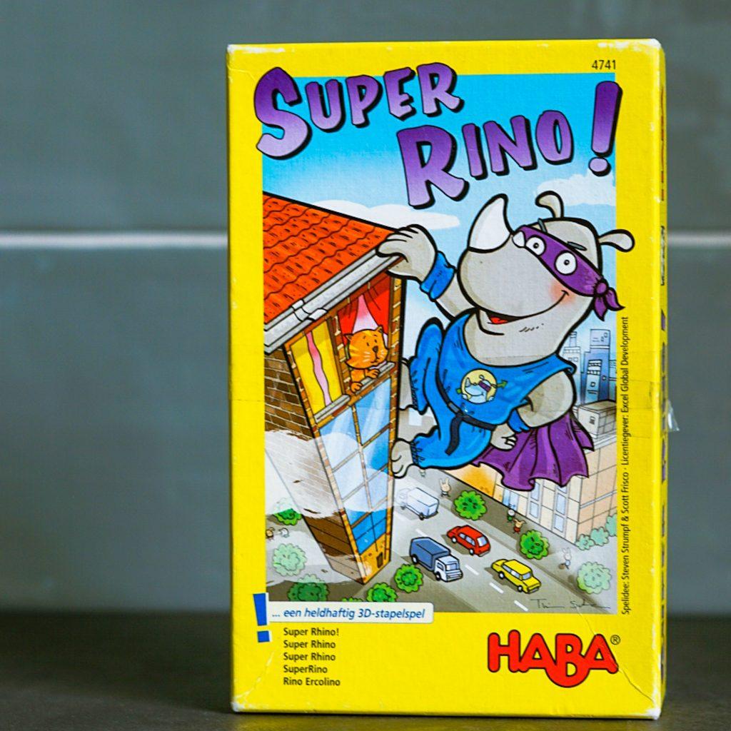 Review Super Rhino!