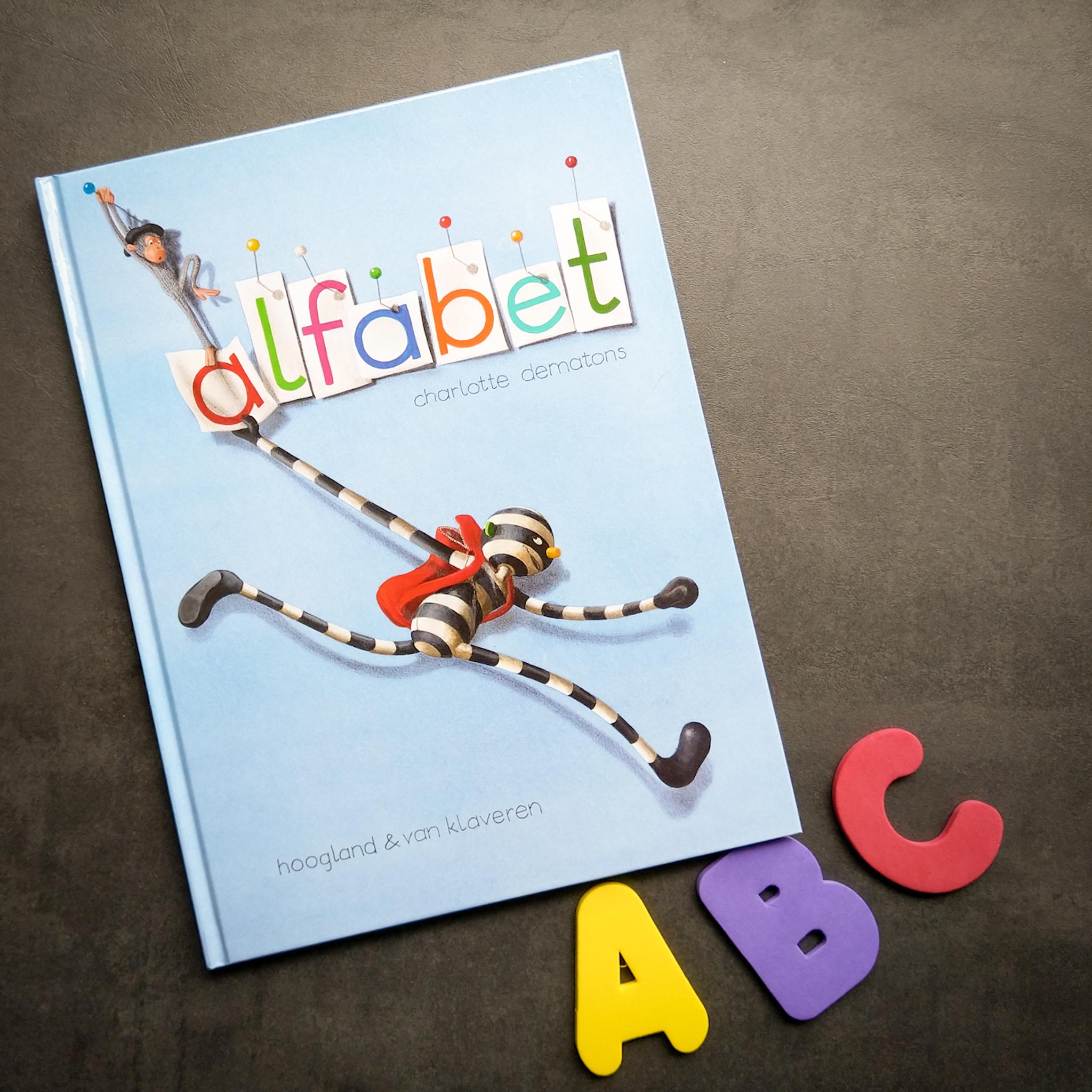Review: Alfabet – Charlotte Dematons