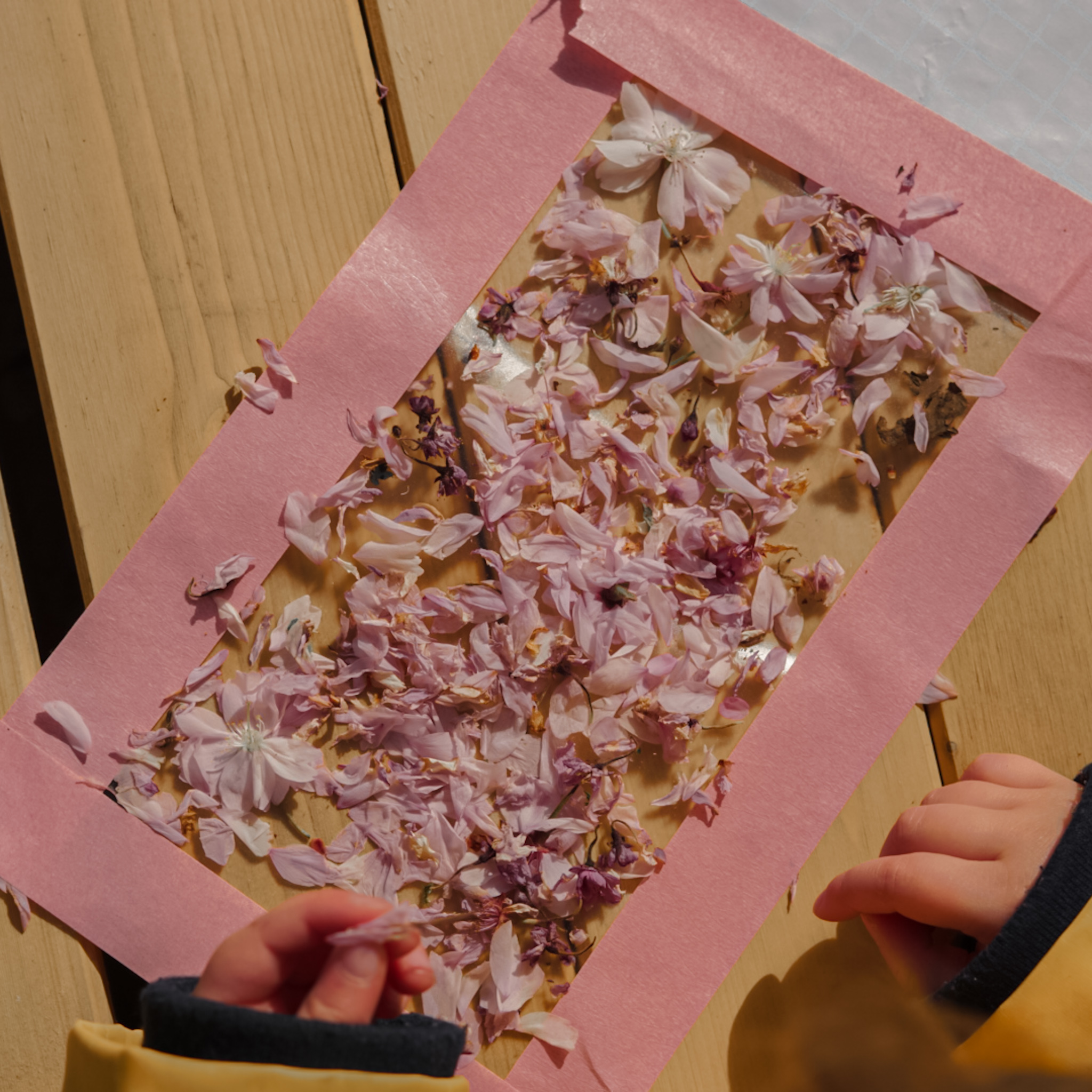 DIY boekenlegger van bloesemkunst
